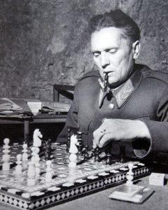 СТРАТЕГИЈА – Између битака с непријатељем Тито је играо шах